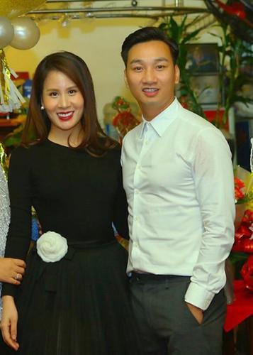 MC Thanh Trung mung sinh nhat vo moi cuoi giua on ao-Hinh-2