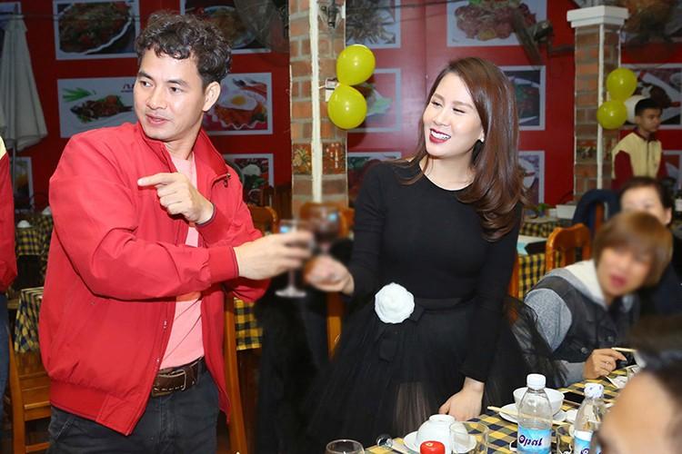 MC Thanh Trung mung sinh nhat vo moi cuoi giua on ao-Hinh-5