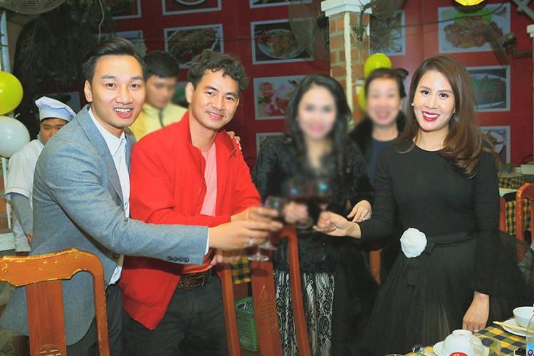 MC Thanh Trung mung sinh nhat vo moi cuoi giua on ao-Hinh-6