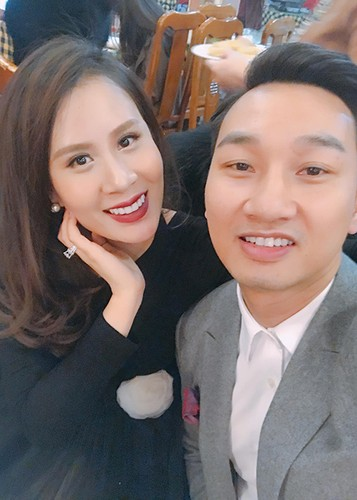 MC Thanh Trung mung sinh nhat vo moi cuoi giua on ao