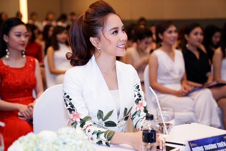 """Pham Huong ngai ngung chia se khong biet """"bao gio lay chong""""-Hinh-10"""