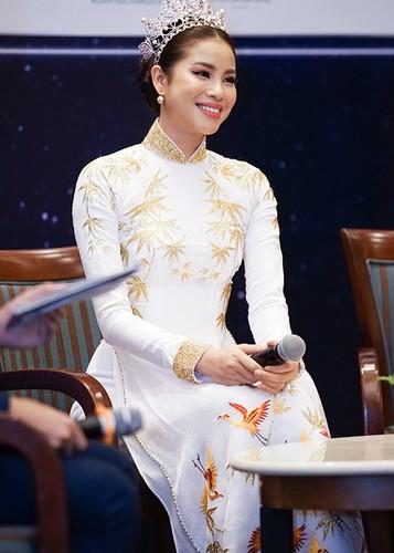 """Pham Huong ngai ngung chia se khong biet """"bao gio lay chong""""-Hinh-4"""