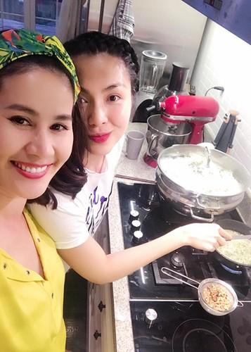 """Vo chong Tang Thanh Ha """"tron"""" 2 con hen ho ban be-Hinh-2"""