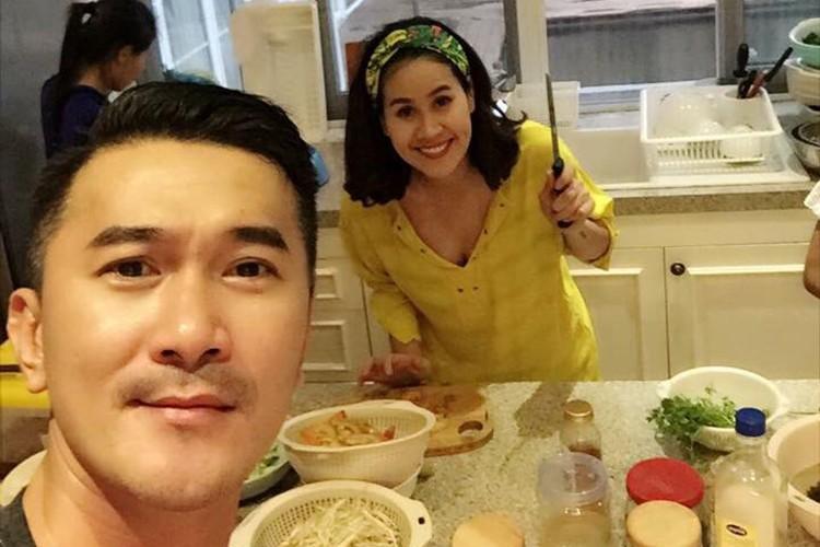 """Vo chong Tang Thanh Ha """"tron"""" 2 con hen ho ban be-Hinh-5"""