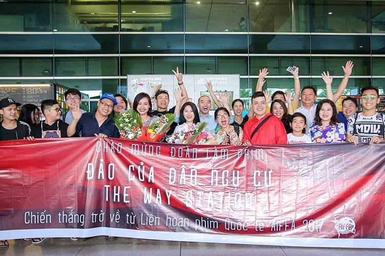 Thang lon tai LHP Quoc te ASEAN, Hong Anh rang ro tro ve-Hinh-5