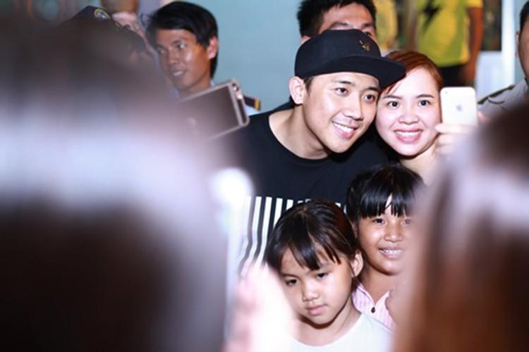 "MC Tran Thanh ra sao sau lum xum bi ""cam song""?-Hinh-2"