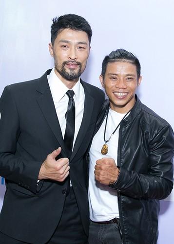 Ly Thanh Thao cung chong Tay mang con di ra mat phim-Hinh-7