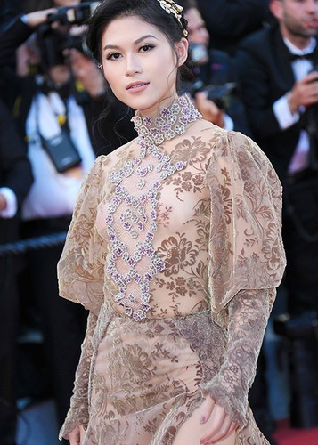 Ngoc Thanh Tam dien vay gan 1 ty tren tham do Cannes 2017-Hinh-3