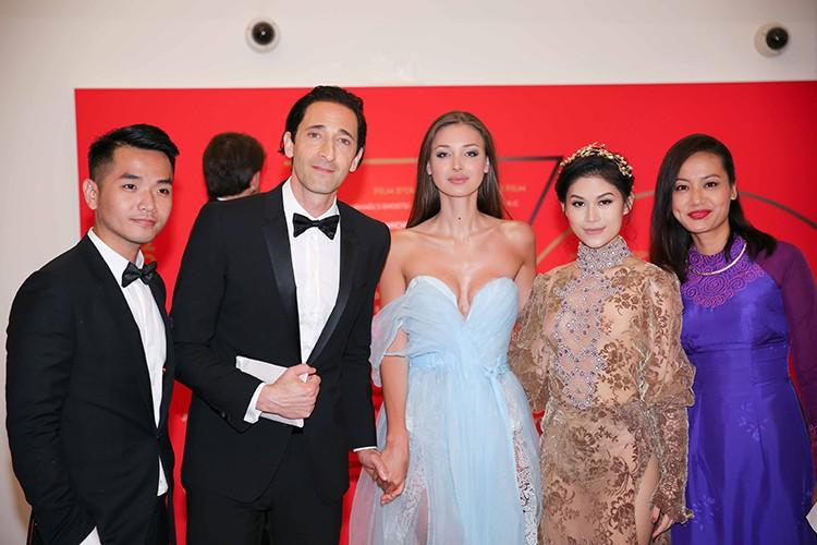 Ngoc Thanh Tam dien vay gan 1 ty tren tham do Cannes 2017-Hinh-7