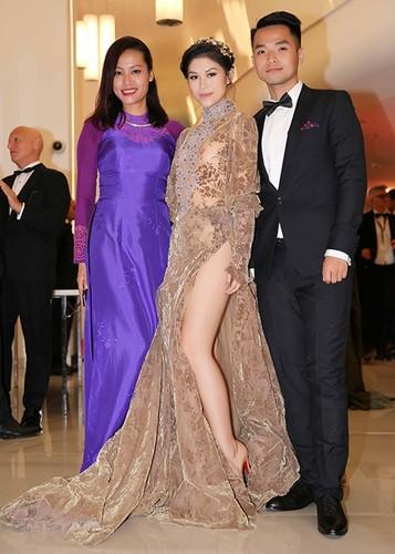 Ngoc Thanh Tam dien vay gan 1 ty tren tham do Cannes 2017-Hinh-8