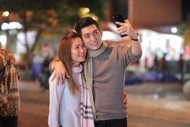 Loat anh tinh tu cua chong cu Phi Thanh Van ben tinh moi-Hinh-2