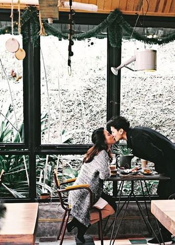 Nhin lai chuyen tinh dep nhu mo cua Hoang Oanh - Huynh Anh-Hinh-4