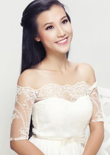 Ve dep nuot na khong ty vet cua A hau Hoang Oanh-Hinh-8