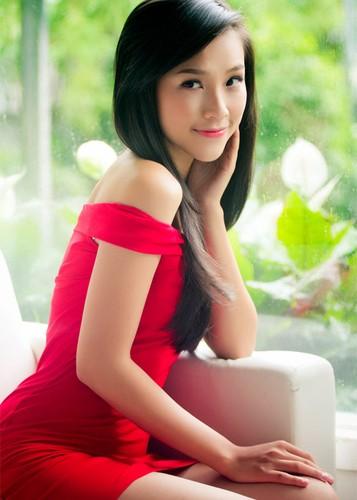 Ve dep nuot na khong ty vet cua A hau Hoang Oanh-Hinh-9