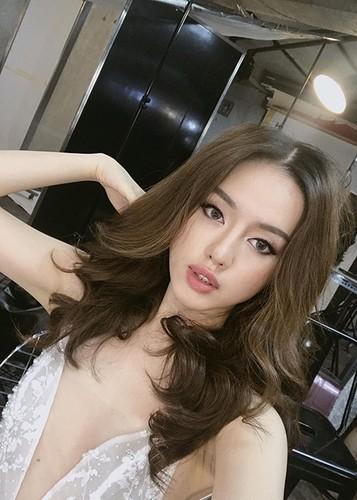 Soi chan dung ban sao Tam Tit tai The Face 2017-Hinh-5