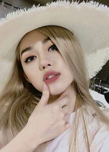 Soi chan dung ban sao Tam Tit tai The Face 2017-Hinh-8
