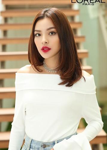 Can canh nhan sac 12 co gai xuat sac cua The Face 2017-Hinh-2