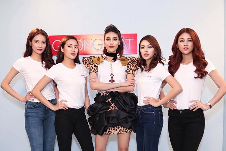 Can canh nhan sac 12 co gai xuat sac cua The Face 2017