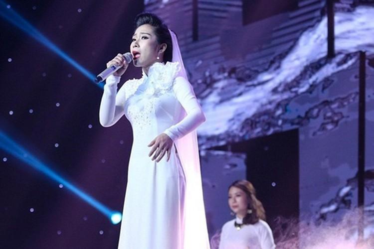 3 lan giup tro dang quang, Dam Vinh Hung xung danh bac thay-Hinh-4