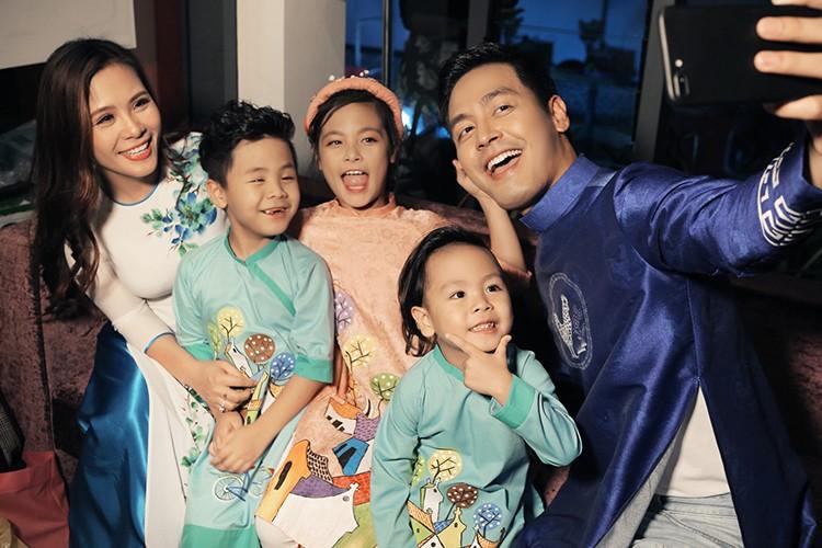 MC Phan Anh an can cham soc con gai lam mau nhi-Hinh-5