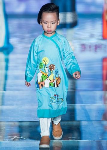 MC Phan Anh an can cham soc con gai lam mau nhi-Hinh-9