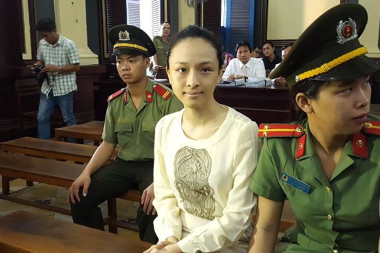 Khong chi Phuong Nga, nhieu my nhan e che khi dinh dai gia-Hinh-2