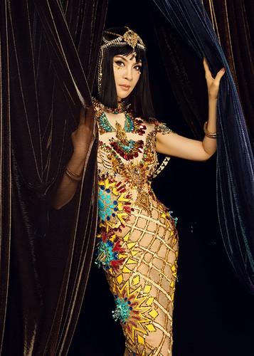 MC Thanh Mai dep kieu ky khi hoa than nu hoang Cleopatra-Hinh-3