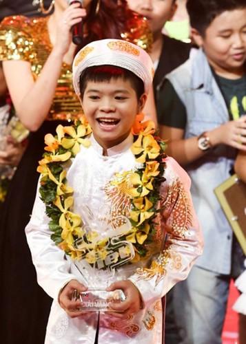 Hinh anh noi loan cua Quang Anh sau 4 nam dang quang-Hinh-13