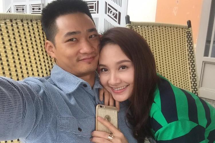 Anh Bao Thanh hanh phuc ben chong truoc on ao tha thinh-Hinh-10