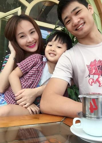 Anh Bao Thanh hanh phuc ben chong truoc on ao tha thinh-Hinh-11