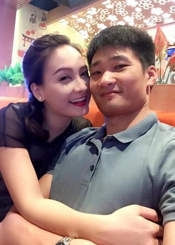 Anh Bao Thanh hanh phuc ben chong truoc on ao tha thinh-Hinh-8