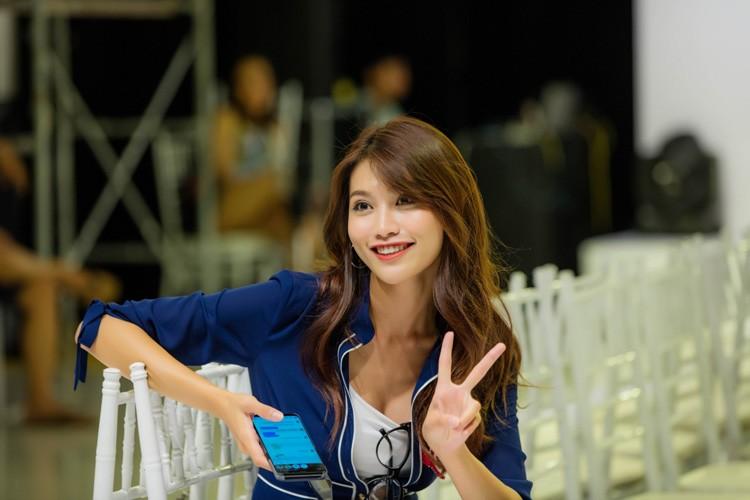Quynh Chau khoe kheo nguc day voi vay xuyen thau-Hinh-10