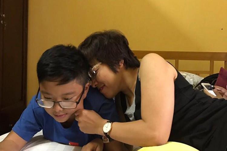 Hot Face sao Viet 24h: Duong My Linh thich thu ngam canh tren truc thang-Hinh-6