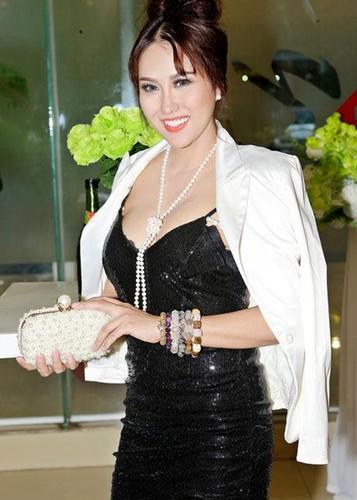 Phi Thanh Van lo dien sau 21 tieng phau thuat tham my-Hinh-7