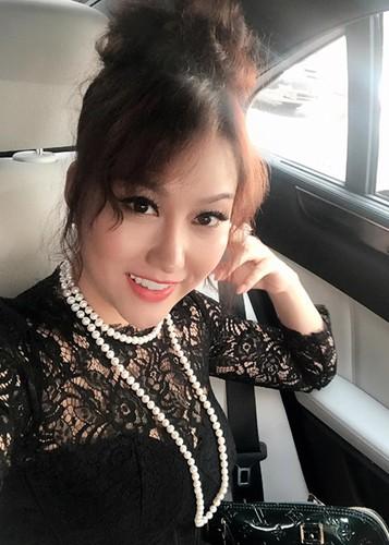 Phi Thanh Van lo dien sau 21 tieng phau thuat tham my-Hinh-8