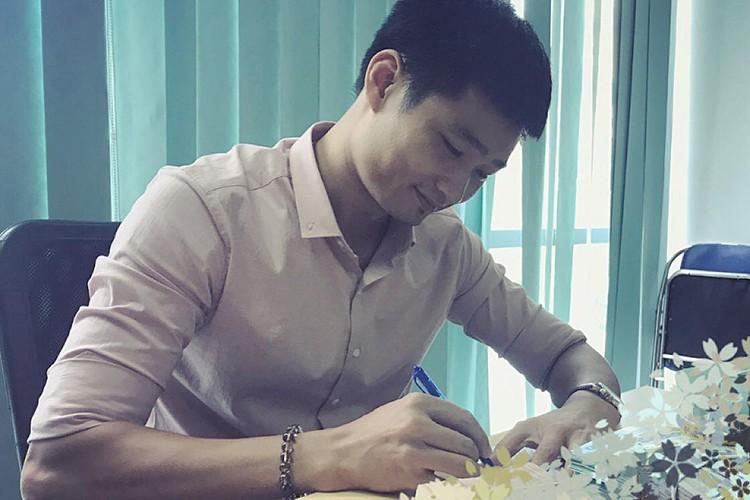 Hot Face sao Viet 24h: Elly Tran khoe toc ngan tre trung-Hinh-10