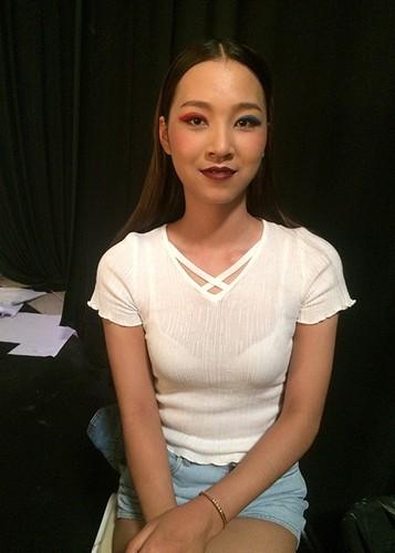 Nu sinh Hoc vien Canh sat du thi HH Hoan vu VN 2017-Hinh-10