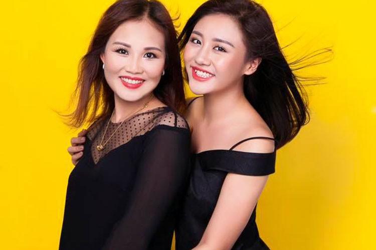 Hot Face sao Viet 24h: Khanh Thi - Phan Hien khoa moi tren thuyen-Hinh-10