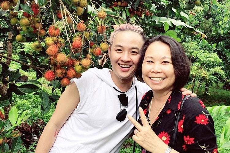 Hot Face sao Viet 24h: Khanh Thi - Phan Hien khoa moi tren thuyen-Hinh-11