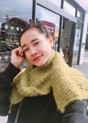 Hot Face sao Viet 24h: Khanh Thi - Phan Hien khoa moi tren thuyen-Hinh-5