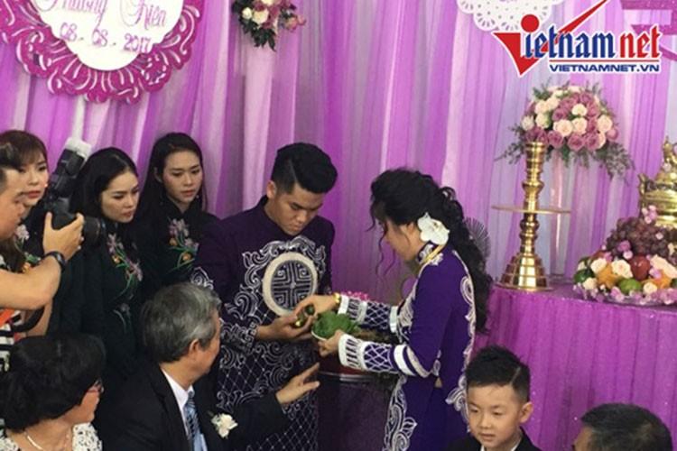Le Phuong hanh phuc roi nuoc mat trong le cuoi lan 2-Hinh-5