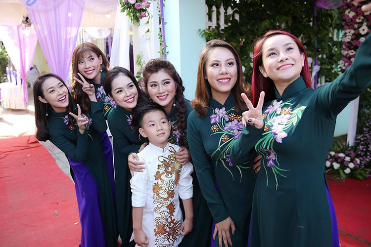 Le Phuong hanh phuc roi nuoc mat trong le cuoi lan 2-Hinh-7