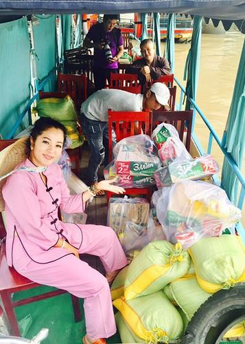 Hot Face sao Viet 24h: Ky Han bi nem da khi che chong kho-Hinh-5