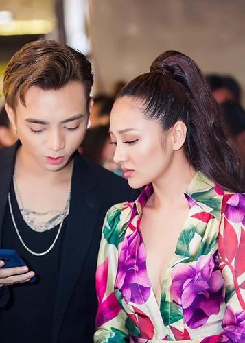 Hot Face sao Viet 24h: Ha Ho - Kim Ly cung check in o Thuy Dien-Hinh-7