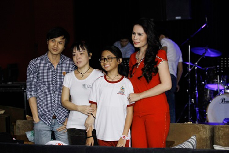 Chan dung co Ut to Phuong My Chi vo on gay soc-Hinh-4