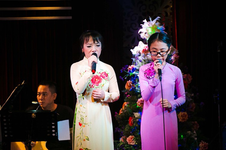 Chan dung co Ut to Phuong My Chi vo on gay soc-Hinh-6