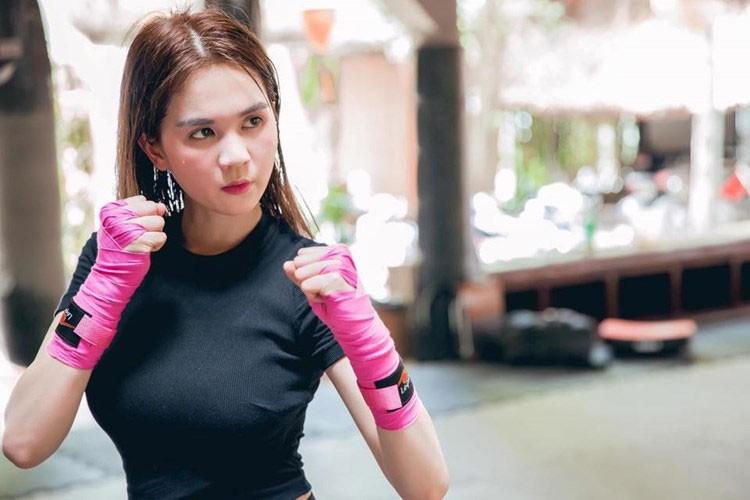 Ngoc Trinh dong phim: Chi la binh hoa di dong?-Hinh-10