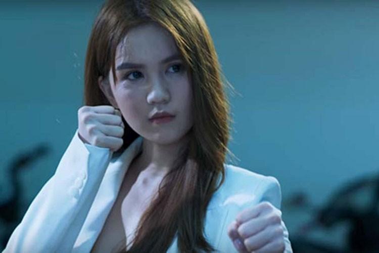 Ngoc Trinh dong phim: Chi la binh hoa di dong?-Hinh-7