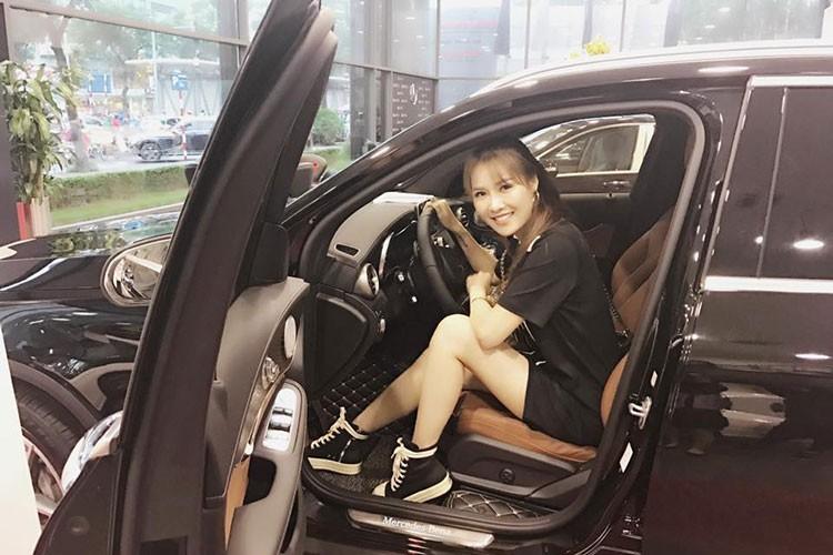 Hot Face sao Viet 24h: Tang Thanh Ha khoe anh rang ngoi ben chong-Hinh-3