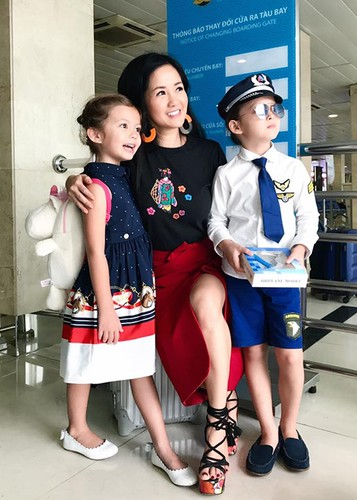 Hot Face sao Viet 24h: Vo chong Chi Tai hanh phuc mung sinh nhat chung-Hinh-8